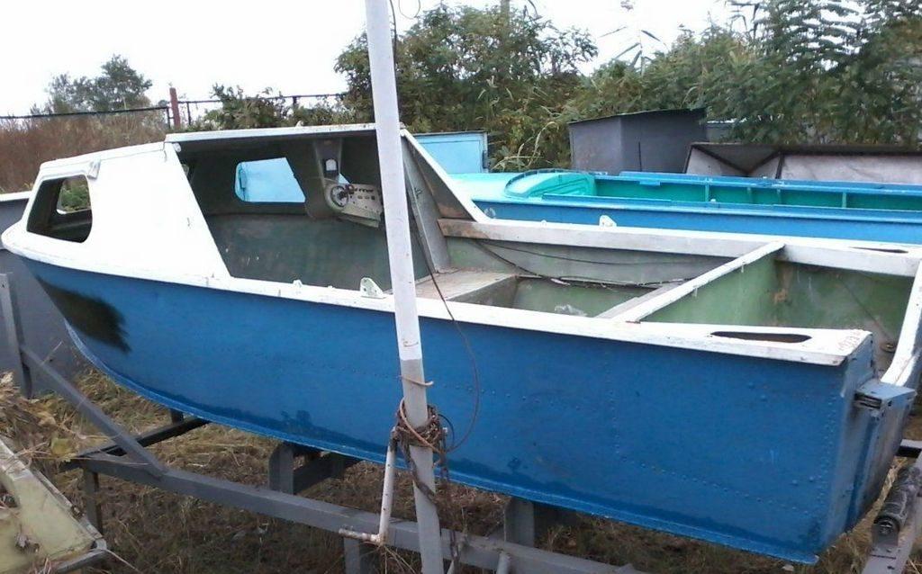 Металлическая лодка Серебрянка