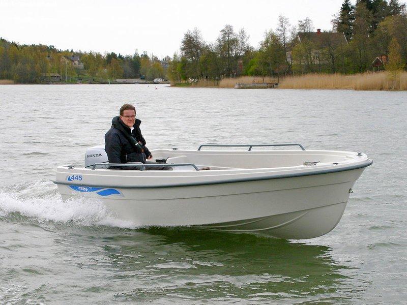 Лодка Terhi