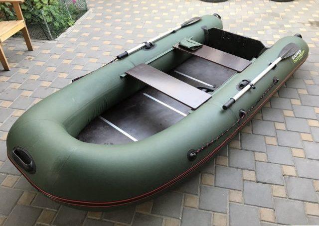 Catfish 310: вместительная лодка для комфортных путешествий