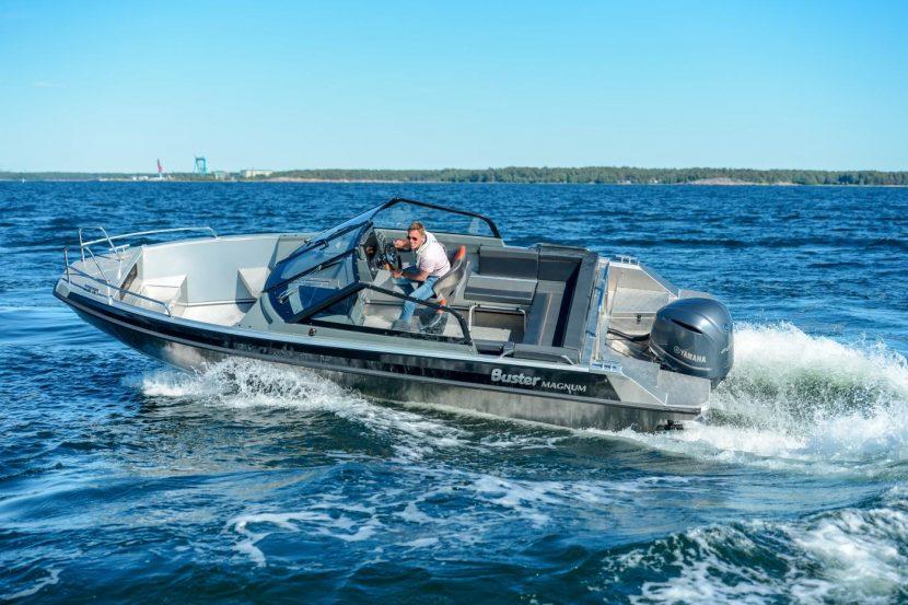 Катера и лодки Buster: история концерна, модели и характеристики