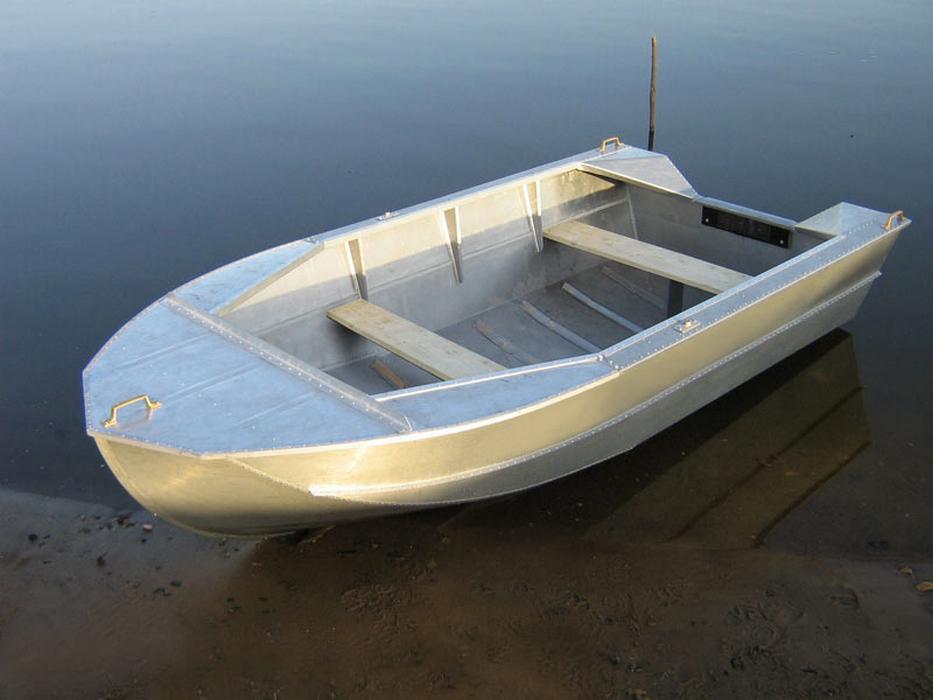 Лодка Мста: конструкция, характеристики и хородвые качества