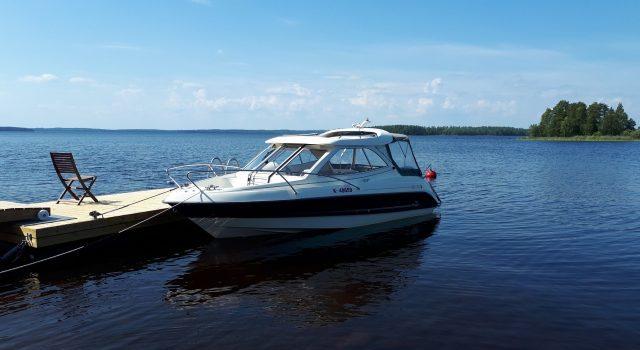 Финский прогулочный катер Flipper 630 OC